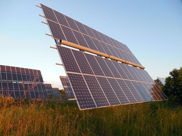 苹果牵手台湾万家香酱油公司将共同开发太阳能电板